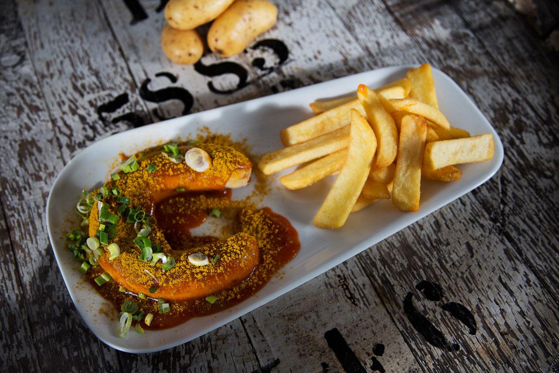 Die runde XL Roundabout-Currywurst